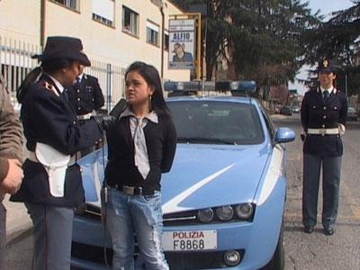 polizia-di-stato-con-auto
